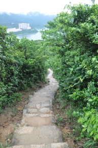 Paved trail from the peak towards Shek O